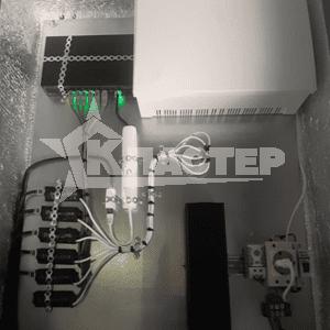 Установка источника бесперебойного питания Скат 1200 в шкаф климатической защиты Мастер 5 УТ